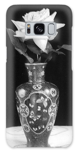 White Rose Antique Vase Galaxy Case