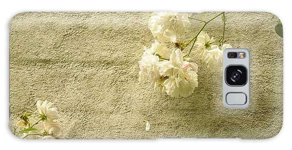 White Roses On A Wall Galaxy Case