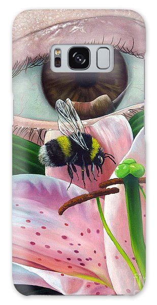 White Tailed Bumble Bee Upon Lily Flower Galaxy Case