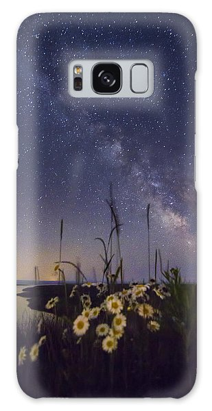 Wild Marguerites Under The Milky Way Galaxy Case