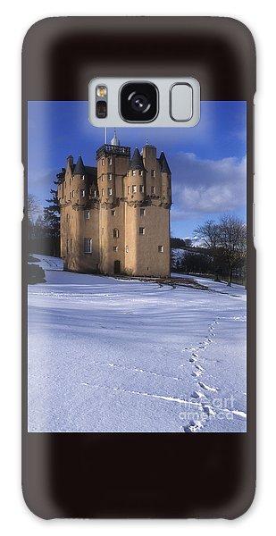 Winter At Craigievar Castle - Aberdeenshire Galaxy Case