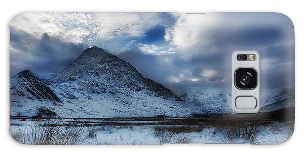 Winter At Tryfan Galaxy Case by Beverly Cash