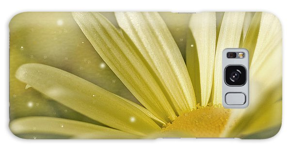 Yellow Daisy Galaxy Case