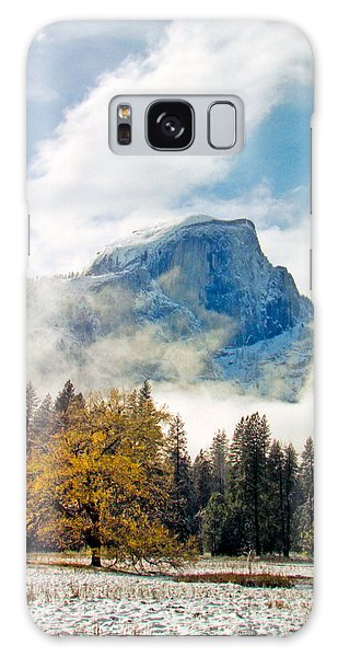 Yosemite Valley  Light Snow Galaxy Case