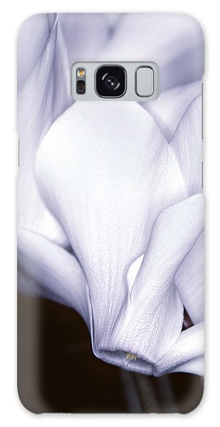 Silky Cyclamen Flowers Galaxy Case