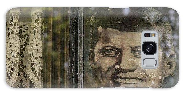 Political Galaxy Case - #amsterdam #keizersgracht #nl #window by Andy Kleinmoedig