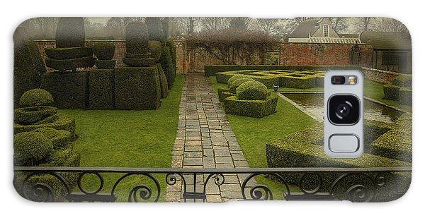 Avebury Manor Topiary Galaxy Case