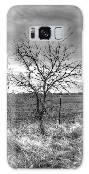 B/w Tree In The Country Galaxy Case
