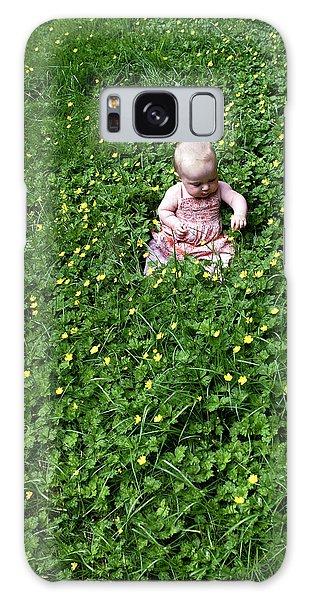 Baby In A Field Of Flowers Galaxy Case