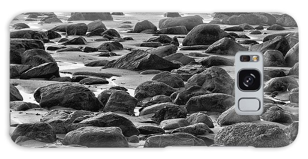 Black And White Wet Rocks Galaxy Case