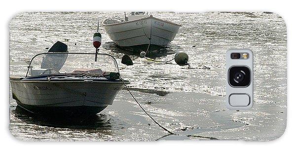 Powerboat Galaxy Case - boats at low tide in Cape Cod by Matt Suess