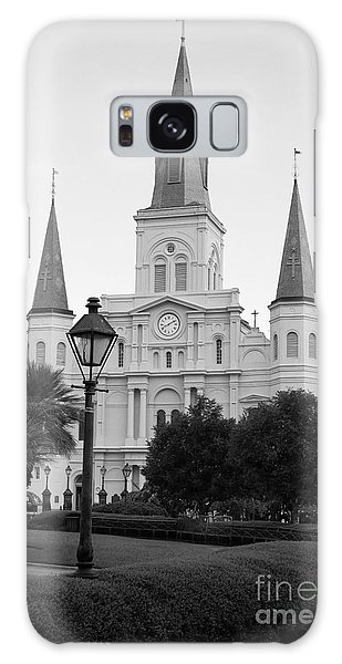 Cathedral And Lampost On Jackson Square In The French Quarter New Orleans Black And White Galaxy Case
