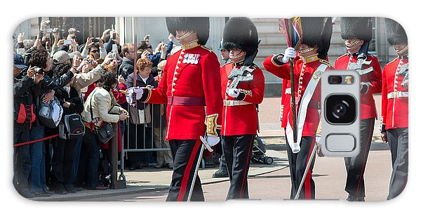 Changing Of The Guard At Buckingham Palace Galaxy Case