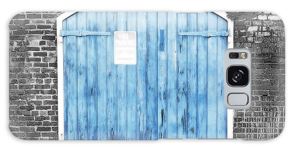 Colorful Blue Garage Door French Quarter New Orleans Color Splash Black And White And Diffuse Glow Galaxy Case