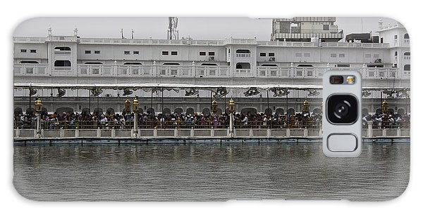 Crowd Of Devotees Inside The Golden Temple Galaxy Case by Ashish Agarwal