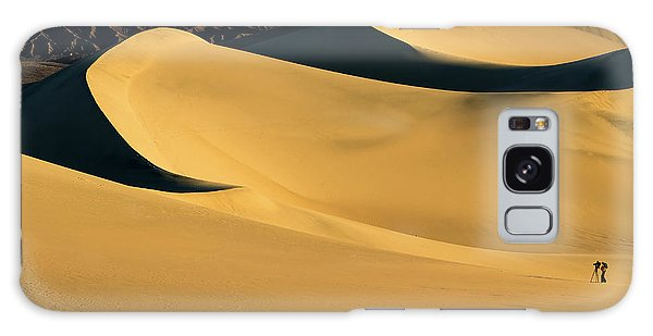Death Valley And Photographer In Morning Sun Galaxy Case