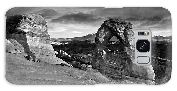 Delicate Arch Bw Galaxy Case by Larry Carr