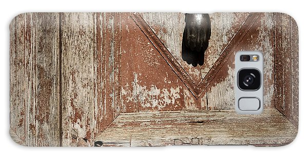 Hand Knocker And Weathered Wooden Doors Galaxy Case