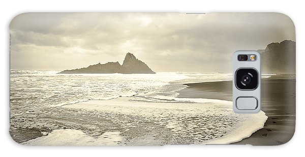 Karekare Beach In New Zealand Galaxy Case by Yurix Sardinelly