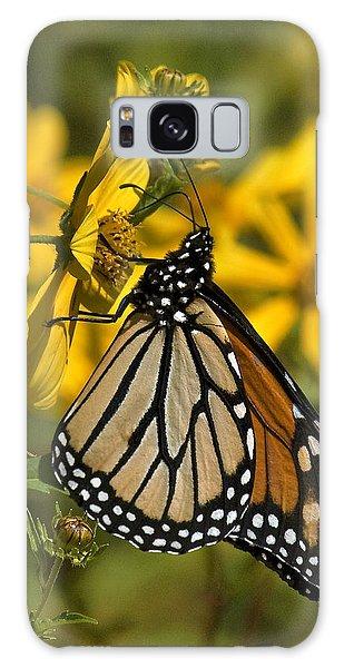 Monarch Butterfly On Tickseed Sunflower Din146 Galaxy Case by Gerry Gantt