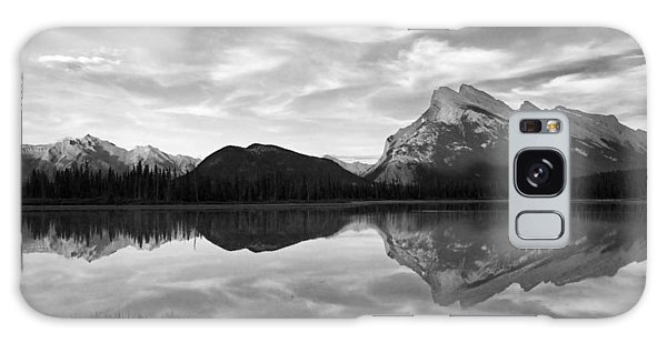 Mt. Rundel Reflection Black And White Galaxy Case