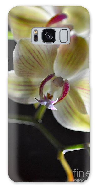 Orchidee Galaxy Case by Sylvie Leandre