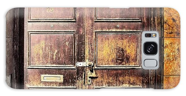 Classic Galaxy Case - Random Door In Liverpool Streets by Abdelrahman Alawwad