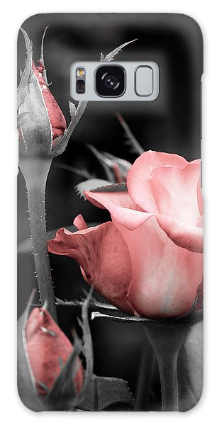 Roses In Pink And Gray Galaxy Case