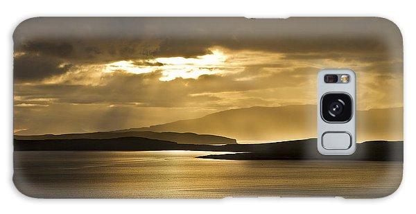 Sunset On Skye Galaxy Case by Gabor Pozsgai