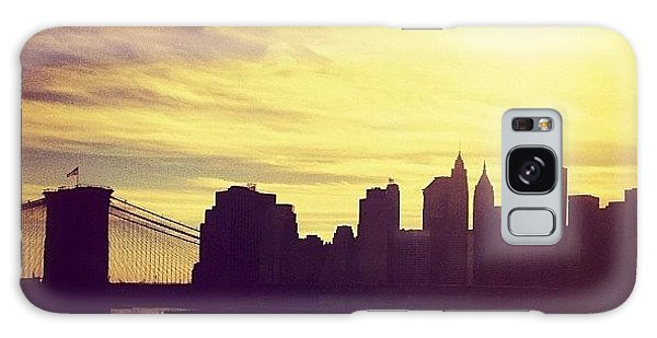 Sunset Over The New York City Skyline And The Brooklyn Bridge Galaxy Case