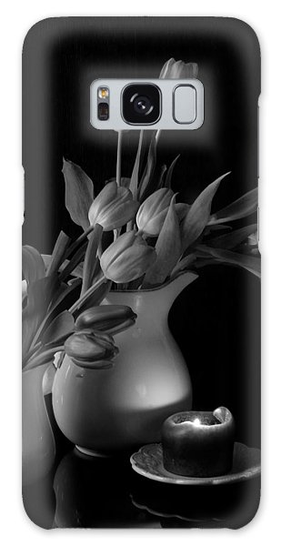 The Beauty Of Tulips In Black And White Galaxy Case