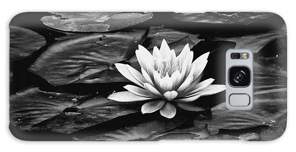 Water Lilly Bw Galaxy Case