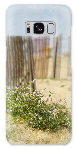 Winter Beach Scene Galaxy Case