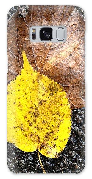 Yellow Leaf In Rain Galaxy Case