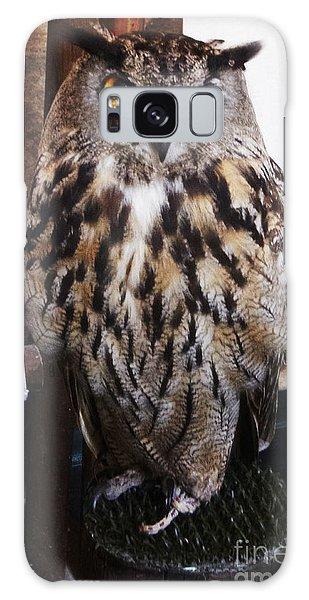 Yellow Owl Eyes Galaxy Case
