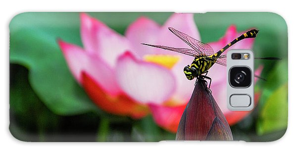 A Dragonfly On Lotus Flower Galaxy Case