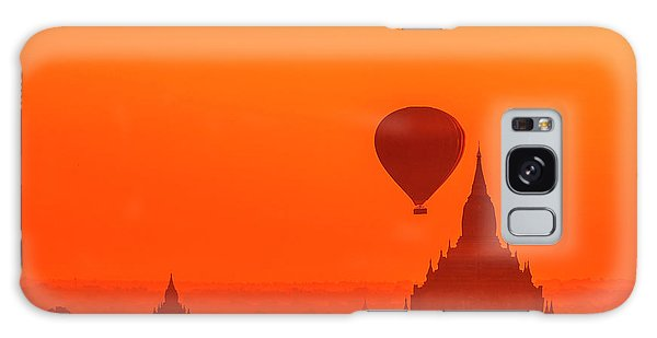 Bagan Pagodas And Hot Air Balloon Galaxy Case
