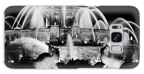 Buckingham Fountain At Night Galaxy Case