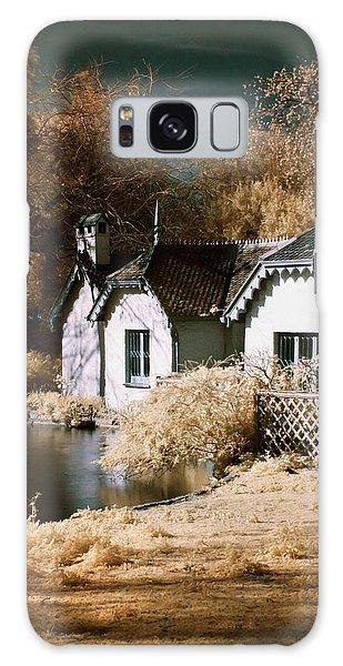 Duck Island Cottage Galaxy Case
