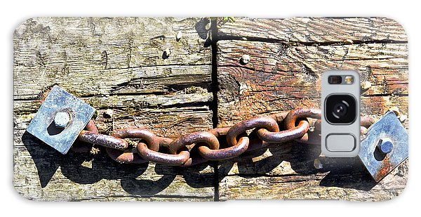 Rusty Chain Galaxy Case - Metal Chain by Tom Gowanlock