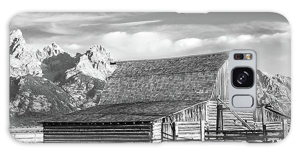 Galaxy Case featuring the photograph Moulton Homestead - Barn by Colleen Coccia