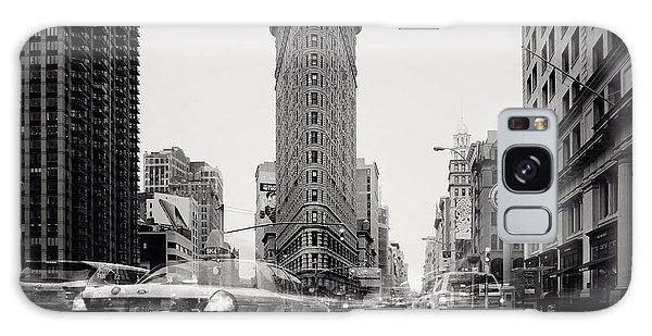 New York City Taxi Galaxy Case - Nyc Flat Iron by Nina Papiorek