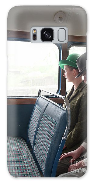 1940s Couple Sitting On A Vintage Bus Galaxy Case