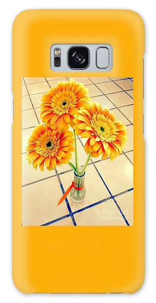 3 Golden Yellow Daisies Gift To My Beautiful Wife Suffering With No Hair Suffering Frombreast Cancer Galaxy Case by Richard W Linford