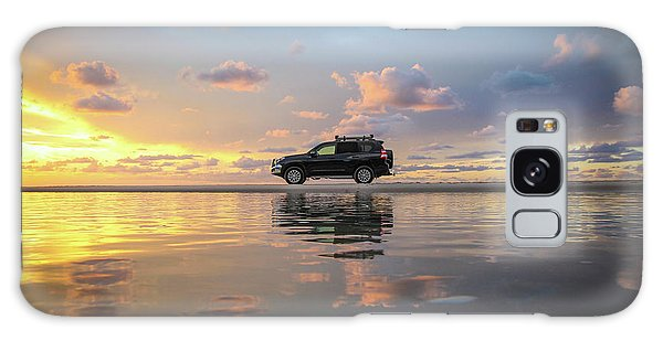 4wd Vehicle And Stunning Sunset Reflections On Beach Galaxy Case