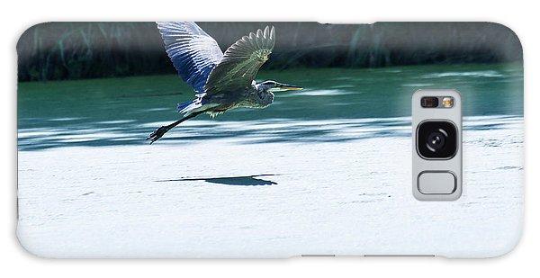 Great Blue Heron In Flight Galaxy Case by Edward Peterson