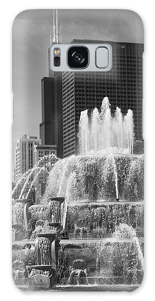 Chicago Skyline And Buckingham Fountain Galaxy Case by Frank Romeo