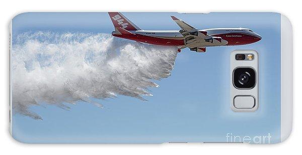 747 Supertanker Drop Galaxy Case by Bill Gabbert
