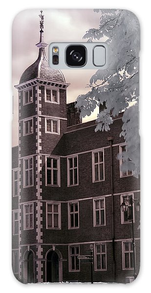 A Glimpse Of Charlton House, London Galaxy Case