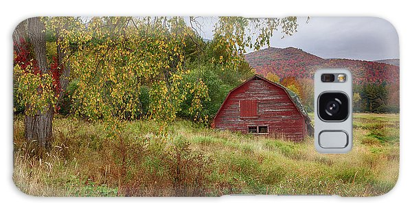 Adirondack Barn In Autumn Galaxy Case